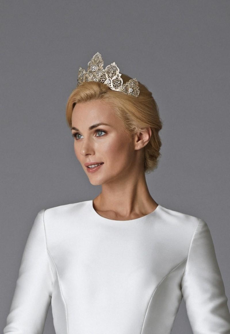 Keren Wolf Amalia Crown