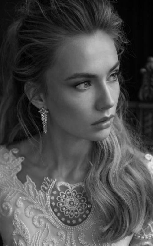 Cristal-feather-earrings-1.jpg